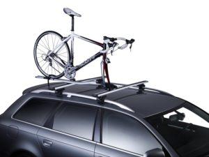 4.Damen und Herrenfahrräder mit dem Fahrradträger Thule OutRide 561 mit auf Reisen